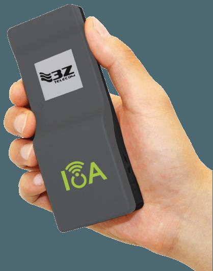 IoA Web Banner – hand w device-09